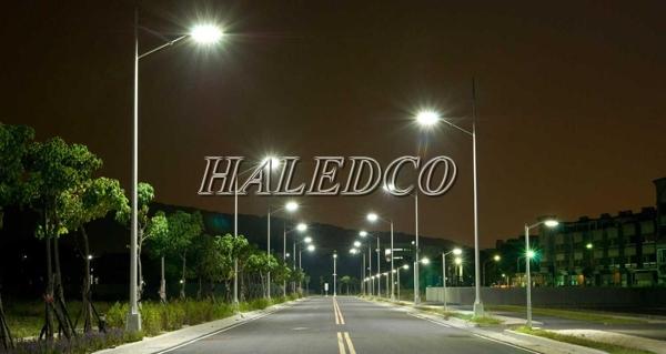 Lắp đặt đèn đường led HLS1-50 chiếu sáng đường phố