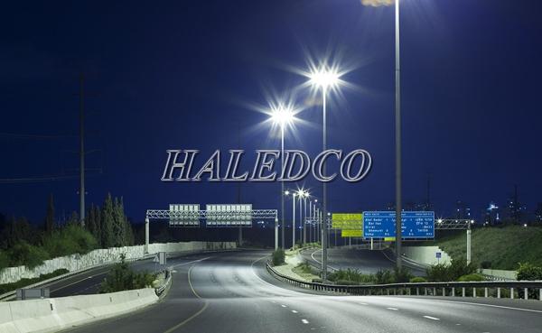 Ứng dụng của đèn đường led HLS2-60chiếu sáng đường trong khu công nghiệp