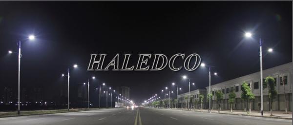 Lắp đặt đèn đường led HLS3-180w chiếu sáng đường quốc lộ