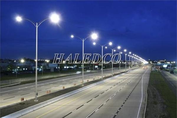 Đèn đường led 200w chiếu sáng đường cao tốc
