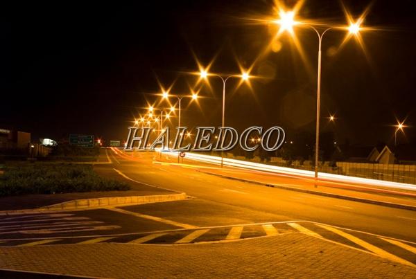 Ứng dụng đèn đường led HLS9-100