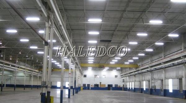 Lắp đặt đèn led nhà xưởng HLHB3-200w chiếu sáng nhà thi đấu