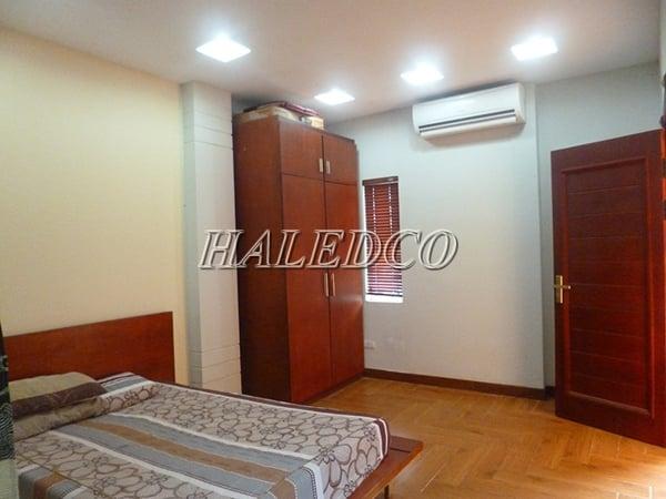 Đèn led ốp trần tròn HLDLT5-24w chiếu sáng không gian phòng ngủ