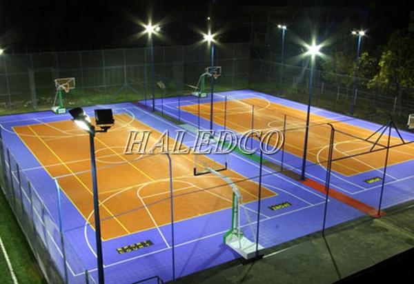 Ứng dụng chiếu sân thể thao của đèn pha led HLFL6-100w