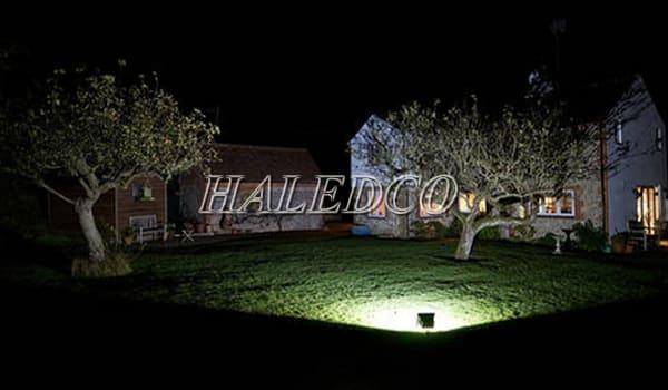 Ứng dụng đèn pha led HLFL6-200w chiếu sáng sân vườn