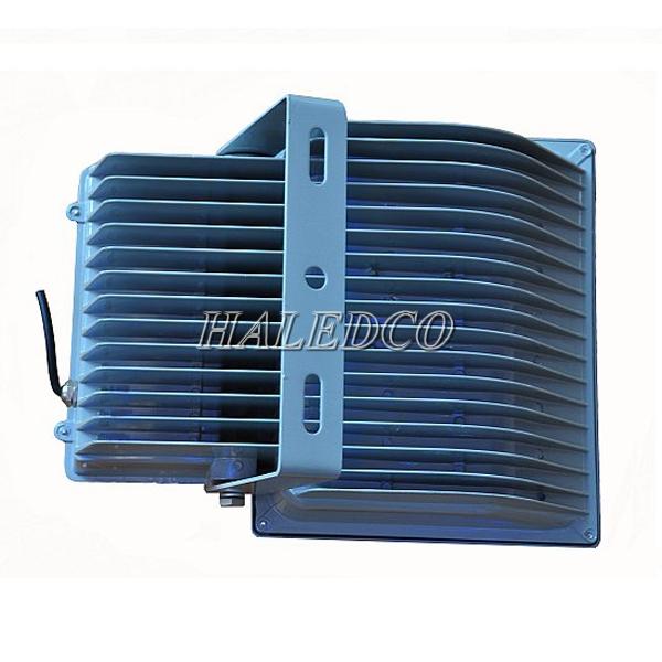 Tản nhiệt của đèn pha led HLFL1-100w