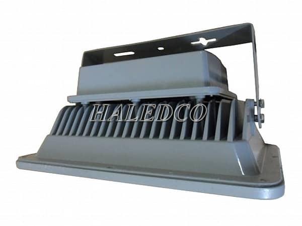 Cánh tản nhiệt dọc thân đèn pha led HLFL2-140w