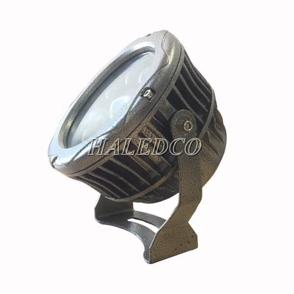 Thiết kế cánh tản nhiệt của đèn pha led HLFL8-27w