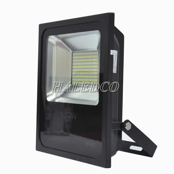 Kiểu dáng thân đèn pha led HLFL6-100w