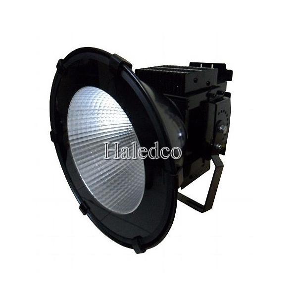 Kiểu dáng thân đèn pha led HLFL3-100w chiếu xa