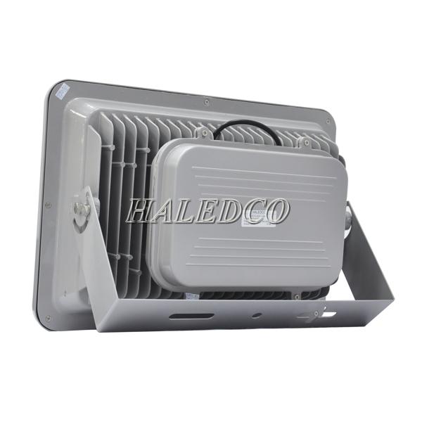 Thiết kế của cánh tản nhiệt đèn pha led HLFL5-200w