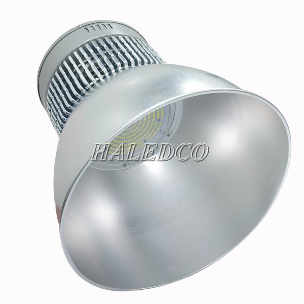 Đèn led nhà xưởng HLHB4-200w thiết kế theo đúng tiêu chuẩn IP40