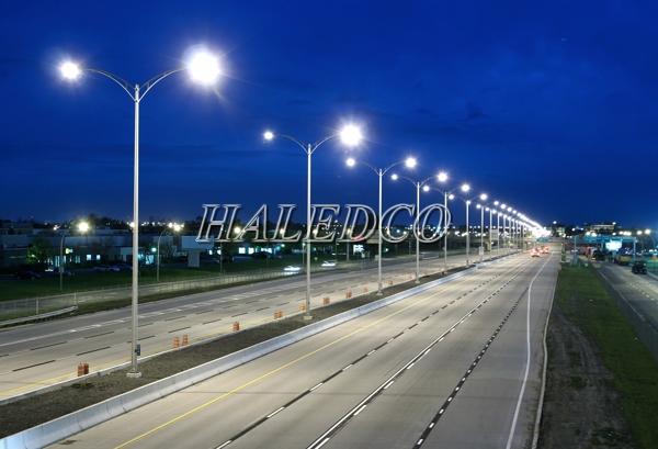 Đèn đường led HLS4-100 chiếu sáng đường phố