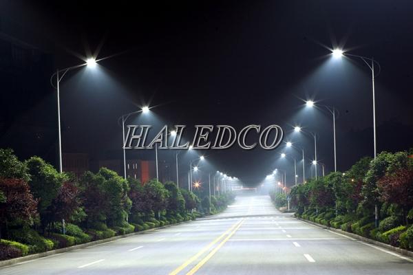 Đèn đường led HLS7-120 chiếu sáng đường đô thị