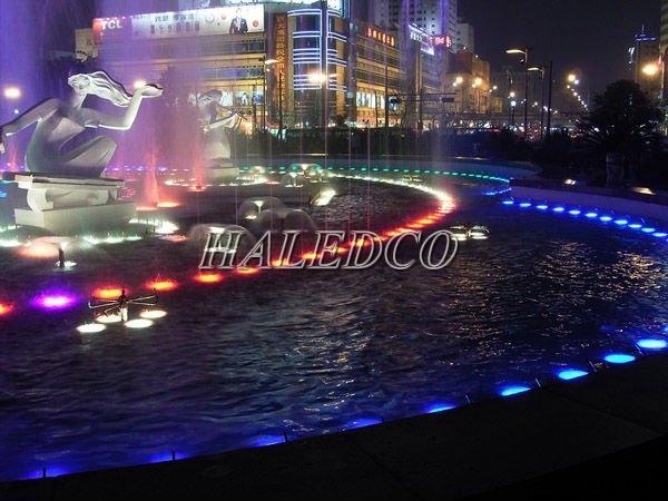 Đèn led âm nước HLUW1-9 RGB ứng dụng chiếu sáng đài phun nước