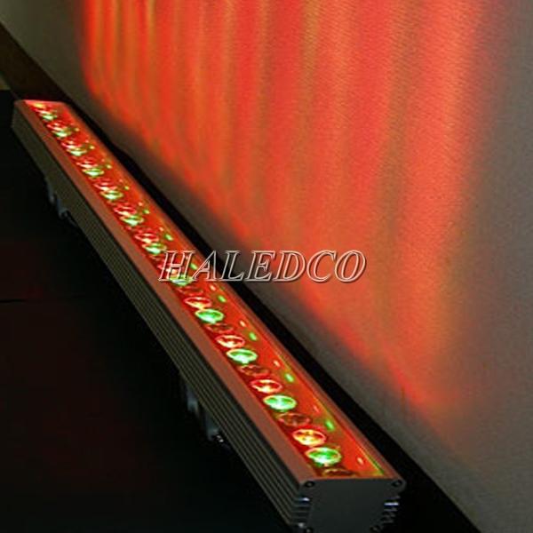 Đèn led chiếu hắt ngoài trời HLWW1-24w nhiều màu ánh sáng