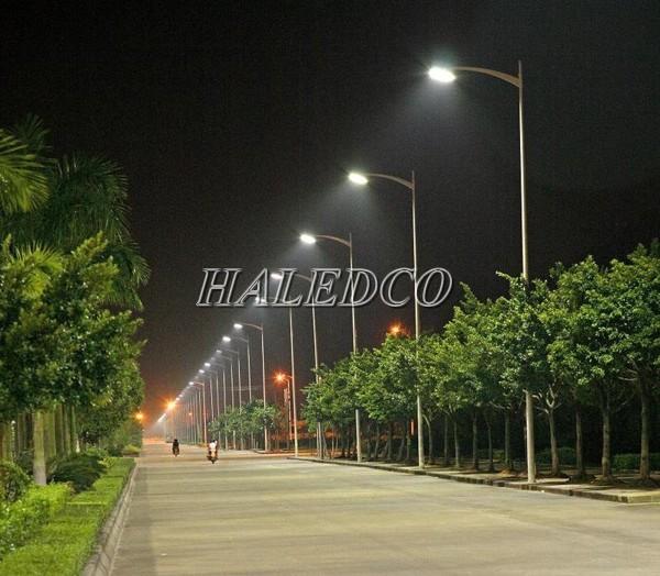 Chiếu sáng đường cao tốc là một lợi thế của đèn đường led 126W