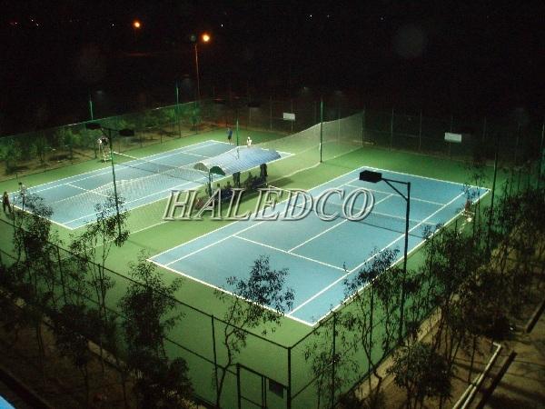 Đèn led chiếu sáng sân tennis thuộc thủy điện Buôn Kuốp
