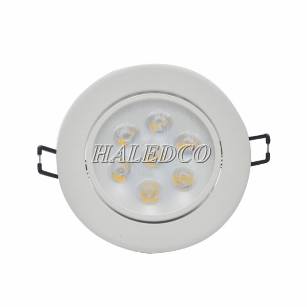 Đèn LED âm trần có nhiều ưu điểm vượt trội