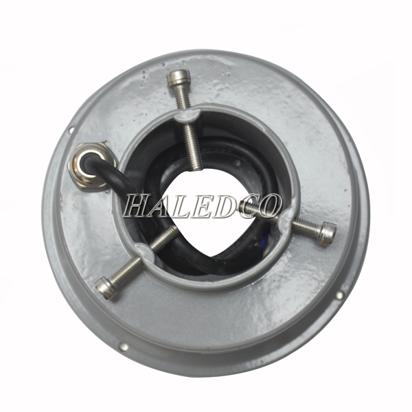 Bộ nguồn được tích hợp trong thân đèn led dưới nước 6w đổi màu dạng bánh xe HLUW2-6w RGB