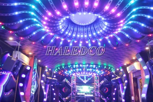Ứng dụng đèn led âm trần HLDLT5-7w RGB đổi màu