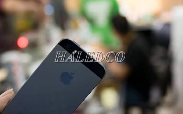Iphone 5s hiện đại hơn, sáng hơn với đèn led flash kép