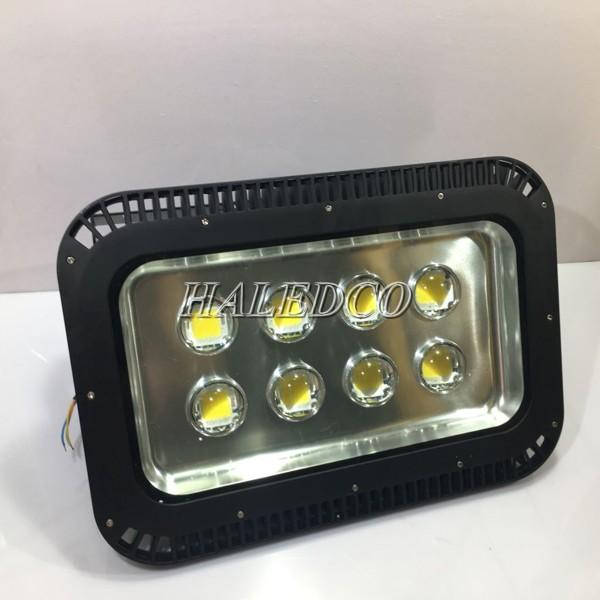 Đèn led có tuổi thọ cao mang giúp người dùng không cần thay thế thường xuyên