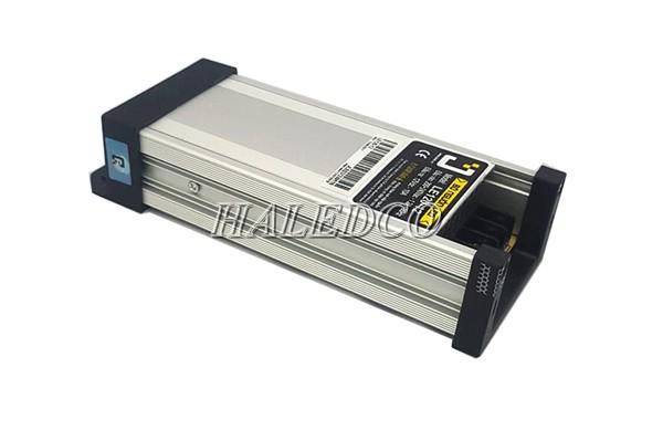 Sử dụng nguồn led 12V ngoài trời cho đèn led ngoài trời chịu mưa gió tốt