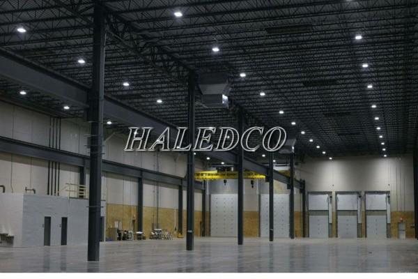 Lắp đặt đèn led nhà xưởng HLHB11-200w trong nhà máy