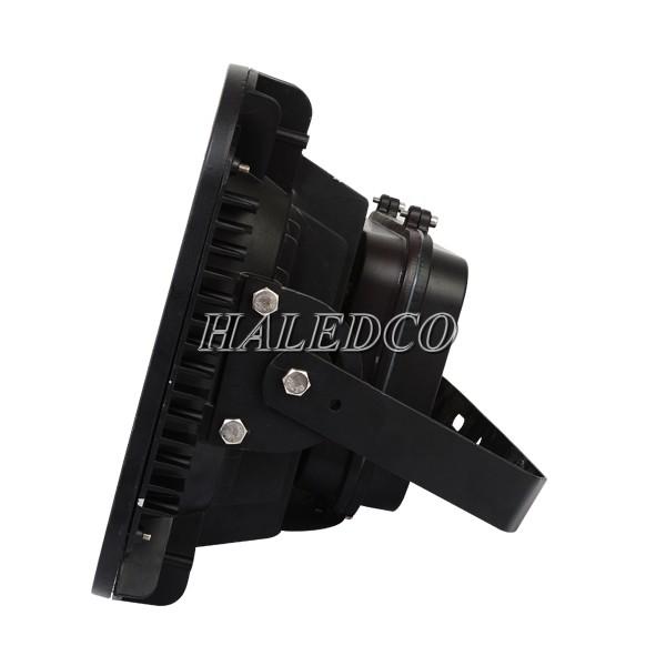 Đèn pha led HLFL11-200w thiết kế tay cầm linh hoạt