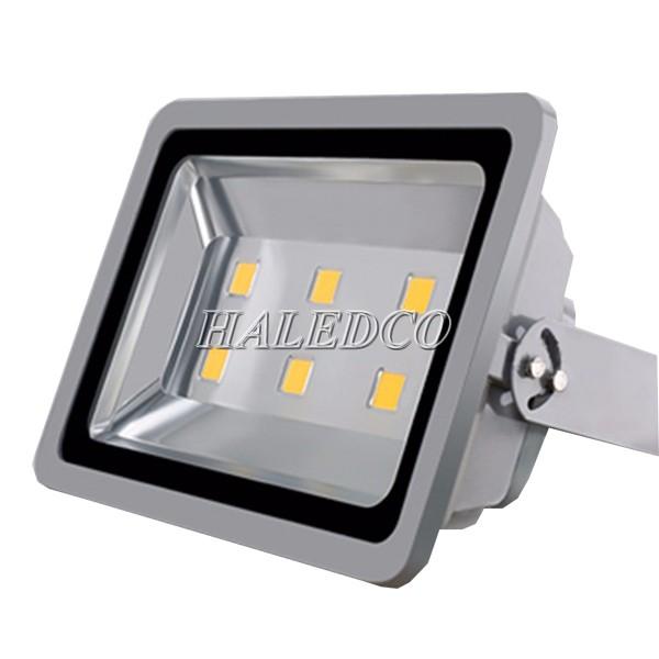 Đèn pha led HLFL1-300w có góc chiếu rộng