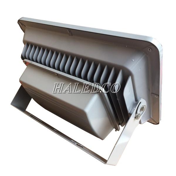 Tản nhiệt của đèn pha led HLFL1-150w