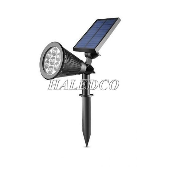 Bộ đèn cắm cỏ sử dụng năng lượng mặt trời