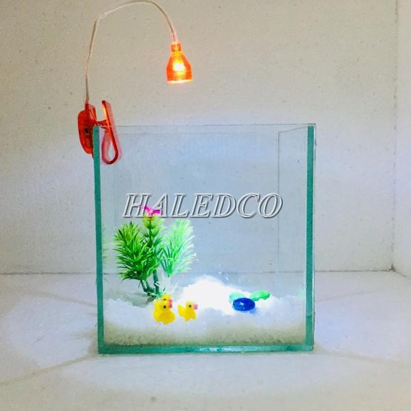 Đèn led kẹp hồ cá mini lắp đặt rất dễ dàng