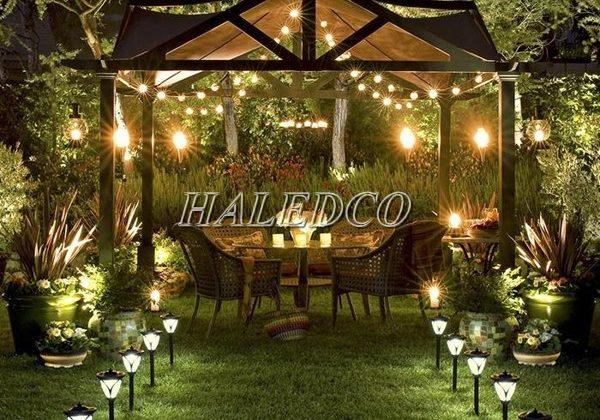 1000+ đèn trang trí sân vườn ấn tượng. Bảng giá chiết khấu giá 45%
