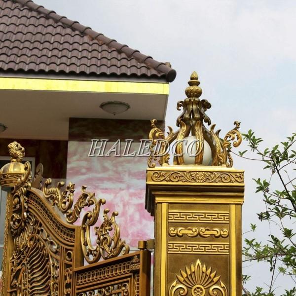 Mẫu trang trí cột đèn cổng biệt thự