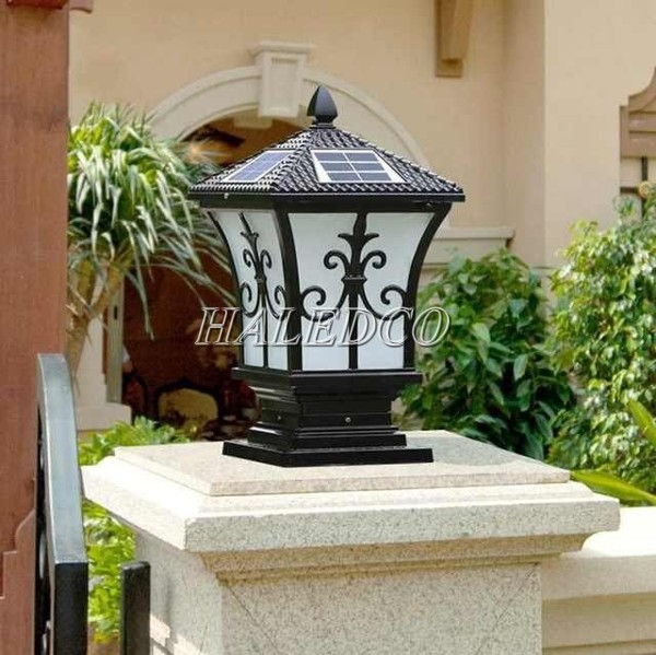 Đèn trụ gắn cột cổng giúp gây ấn tượng với mọi người