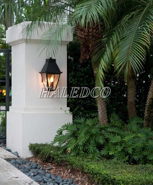 Đèn trụ cổng sân vườn cao cấp cung cấp ánh sáng cho lối đi vào