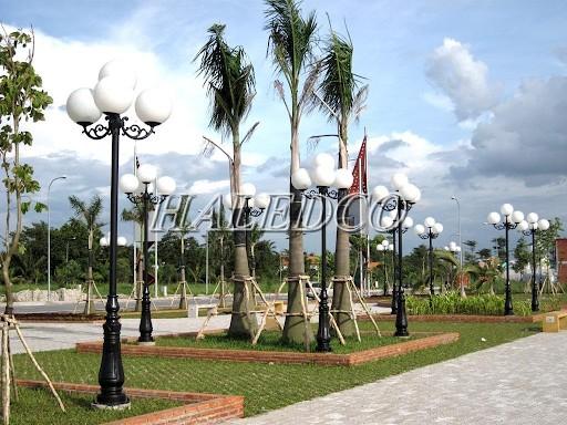 Cột đèn chiếu sáng sân vườn Banian