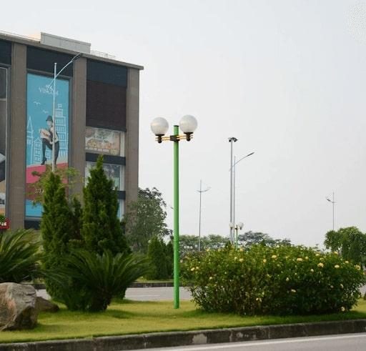 Cột đèn chiếu sáng sân vườn Haledco được ứng dụng rộng rãi