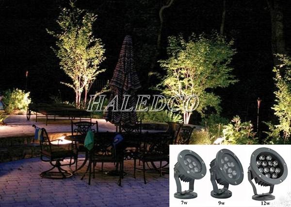Đèn LED sân vườn 30w