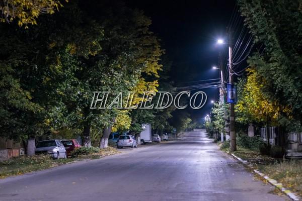 Đèn đường LED HLS20-50 chiếu sáng đường nông thôn