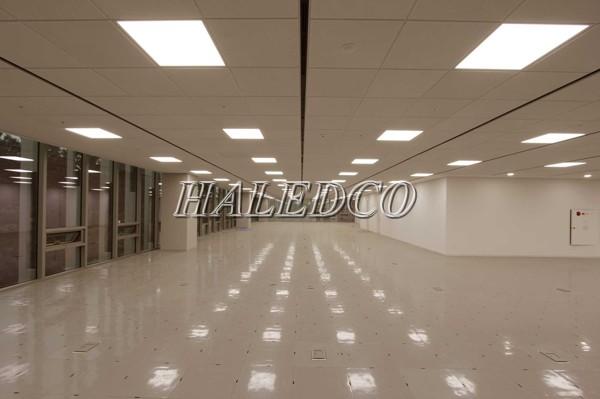 Đèn LED panel 600x1200 chiếu sáng hành làng khu vực công cộng