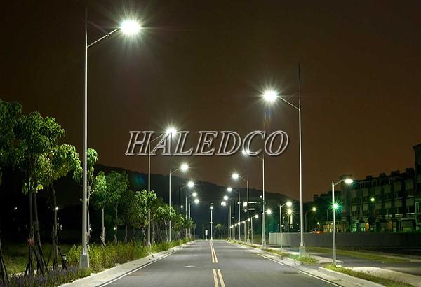 Đèn đường LED HLS20-100 chiếu sáng đường đi đô thị