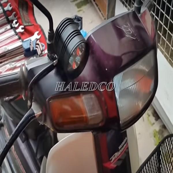 Chế đèn LED cho xe máy