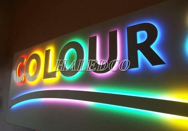 Đèn LED hắt 3 mắt đơn sắc chiếu sáng bảng hiệu quảng cáo