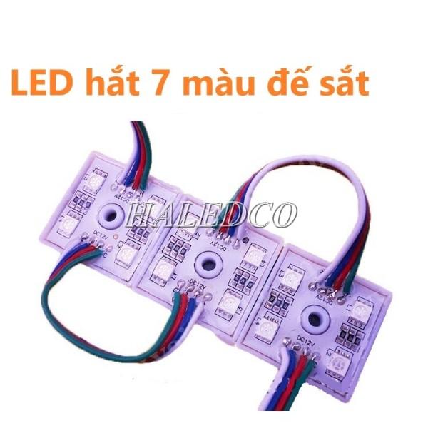 Đèn LED hắt 7 màu 4 bóng 5050 đế sắt