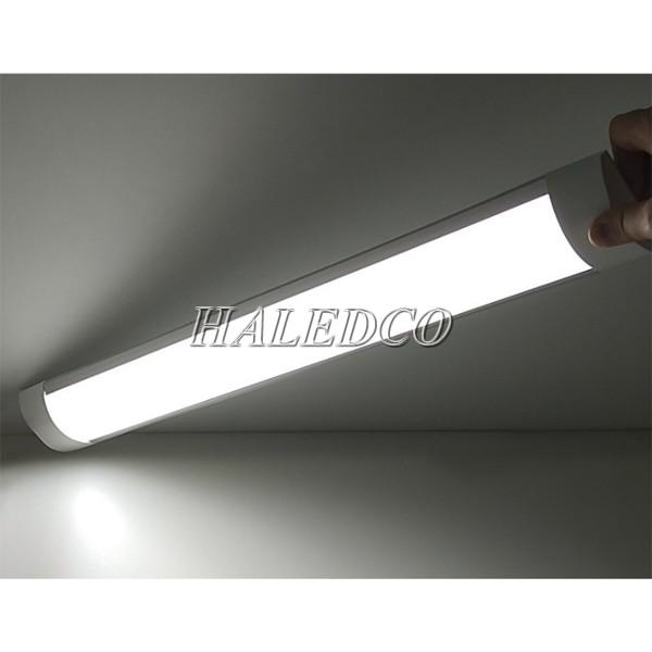 Đèn tuýp LED T8 bán nguyệt kích thước 1m2