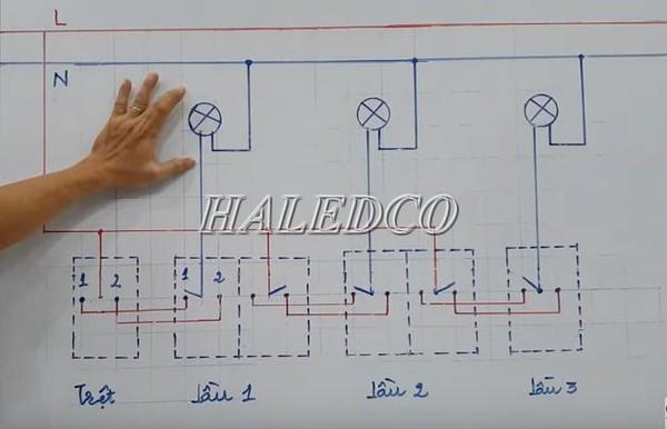 Sơ đồ tham khảo cách đấu nối điện cho 3 công tắc 2 đèn
