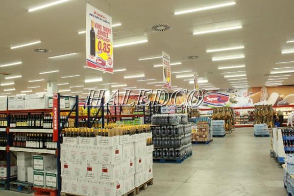 Đèn tuýp LED 6 tấc chiếu sáng trong siêu thị